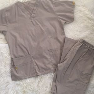 Wonder Wink M Scrub Set in Khaki